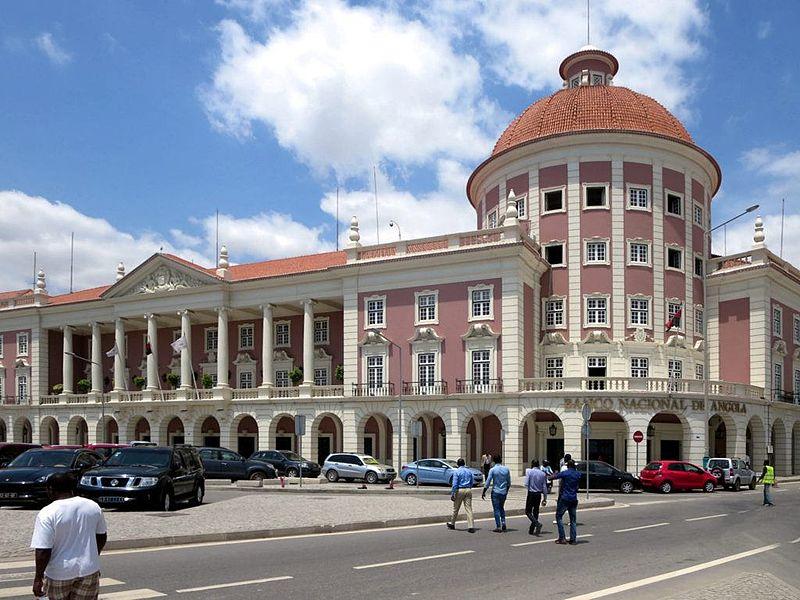 Banco Nacional de Angola in Luanda - Angola 2015.jpg