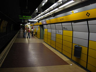 Jaume I (Barcelona Metro) - Trinitat Nova platform of Jaume I metro station