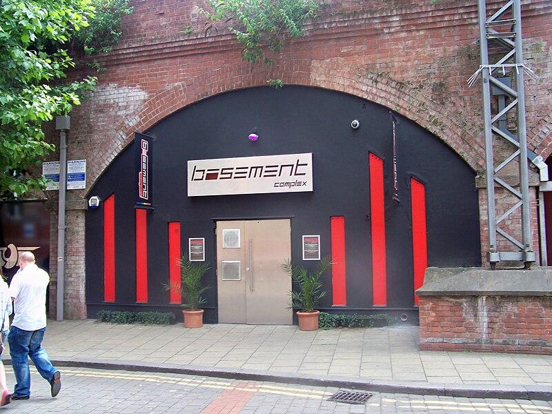 File:Basement Complex, Leeds (24th June 2010).jpg