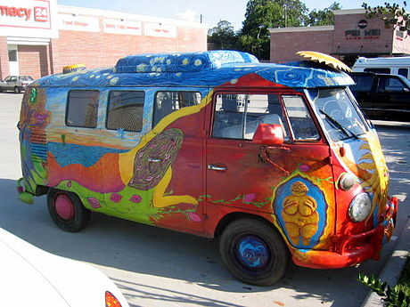A 1967 VW Kombi bus decorated with hand-painting Be Your Own Goddess art bus (1967 VW Kombi) IMG 0136.JPG