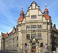 Berlin, Neukoelln, Karl-Marx-Strasse 77-79, Amtsgericht und Gefaengnis Neukoelln 01 ShiftN.jpg