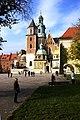 Blick auf die Wawelkathedrale (4217353442).jpg