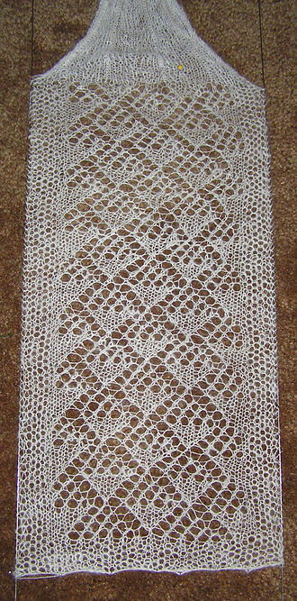 Lace knitting - Lace scarf during blocking