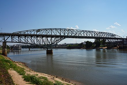 The Long-Allen Bridge (Texas Street bridge) connects Shreveport and Bossier City Bossier City September 2015 08 (Long-Allen Bridge).jpg