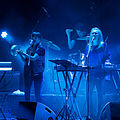 Bow to Each Other in concert (232009).jpg