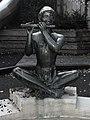 Brunnenskulptur, Flötenspieler, 1950, von Emil Knöll (1889-1972) 2.jpg
