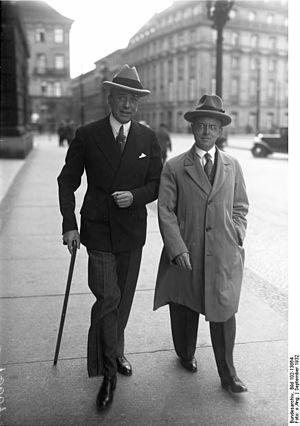 Leopold von Hoesch - Leopold von Hoesch (on left), 1932