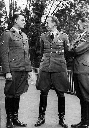 Horst Böhme (SS officer) - Böhme (left) with Reinhard Heydrich and Karl Hermann Frank