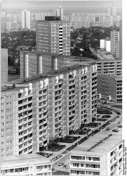 File:Bundesarchiv Bild 183-1984-0601-008, Berlin, Marzahn.jpg