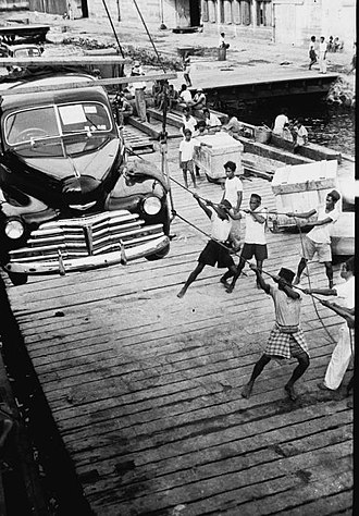 Automotive industry in Indonesia - A 1948 Chevrolet being unloaded in Makassar (1949)