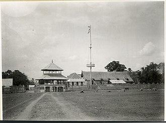 Bima Sultanate - Image: COLLECTIE TROPENMUSEUM Het paleis van de sultan van Bima T Mnr 10015406