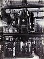 COLLECTIE TROPENMUSEUM Vacuümmachine in de suikerfabriek Ketegan Soerabaja TMnr 60052488.jpg