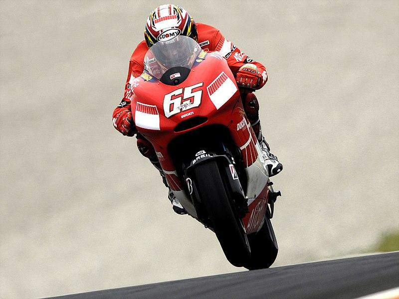 MotoGP - Saison 2013 - - Page 6 800px-Capirossi_Wheelie