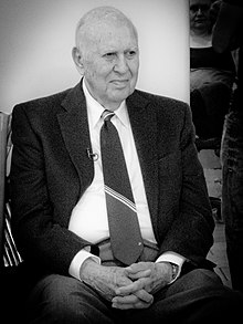 Carl Reiner at Vicki Abelson's Women Who Write (14567378315).jpg