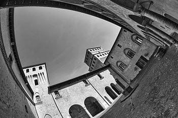 CastelloTorrechiara2.jpg