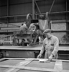 Cecil Beaton Photographs- Tyneside Shipyards, 1943 DB130.jpg