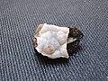 Chalcedony opal - SiO2·nH2O (40655468302).jpg
