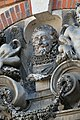 Chartres, Hôtel Montescot 07 buste d'Henri IV.jpg