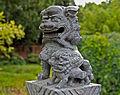 Chinesischer Garten Brückenfigur.2.jpg