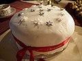 Christmas cake (16117979601).jpg