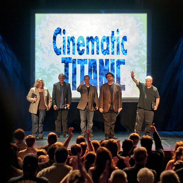 File:Cinematic-Titanic-2011-09-24-Cast.jpg