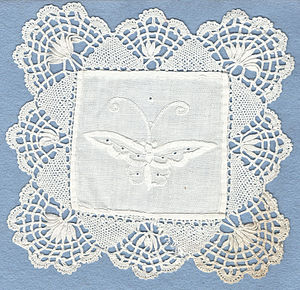 Cluny lace - Mat with Cluny lace edging