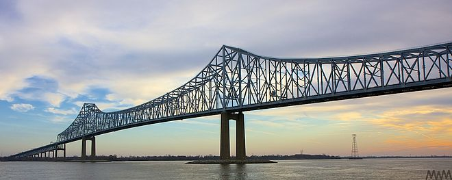 Commodore Barry Bridge across the Delaware River at Chester Commodore Barry Bridge 9104.jpg