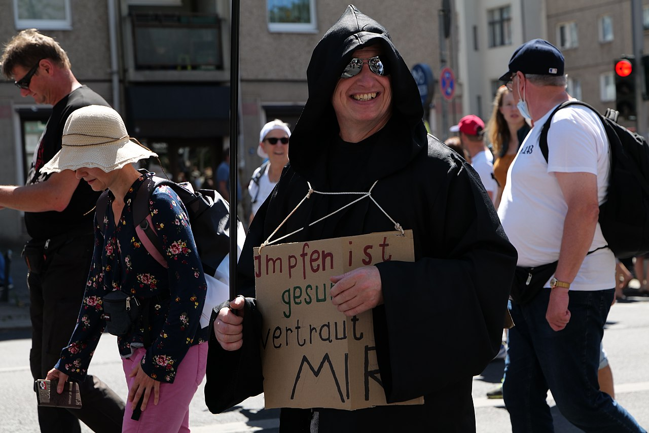 Conspiracy theorist protest Berlin 2020-08-01 107.jpg
