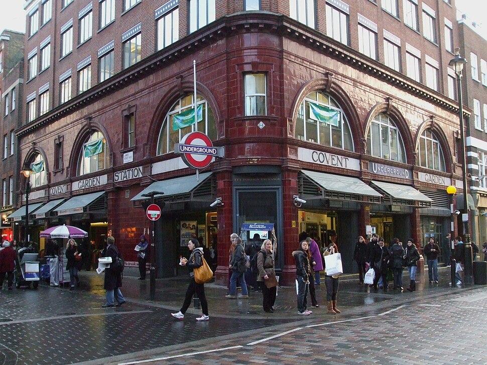 Covent Garden stn building