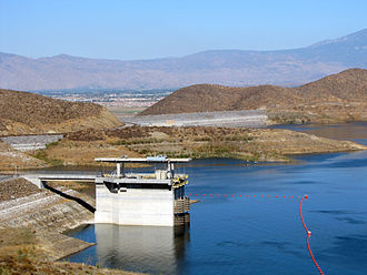 Diamond Valley Lake - The Saddle dam and I/O tower at Diamond Valley Lake