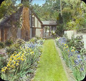 Aymar Embury II - Daniel Elezer Pomeroy House, Beech Road, Englewood, New Jersey, by Frances Benjamin Johnston, 1918. Aymar Embury II, architect, Ruth Bramley Dean, landscape, ca 1915. Demolished