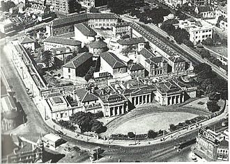 Darlinghurst Gaol - An aerial view of Darlinghurst Gaol, with the courthouse in the foreground, 1930