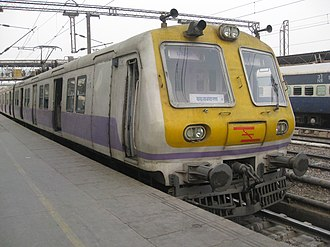 Urban rail transit in India - Image: Delhi emu 08