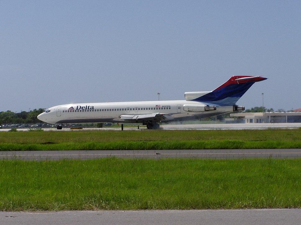 Delta Air Lines Boeing 727-200 N523DA
