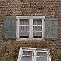 Detail zuidgevel- raamkozijn met luiken - Stramproy - 20350936 - RCE.jpg