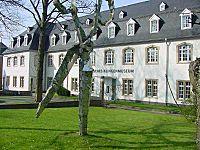 Deutsches-klingenmuseum-20010502.jpg