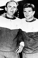 di Stéfano (venstre) scorede 5 mål og Puskás vandt skytteligaen på 7 mål når deres   Reel igen nåede til finale