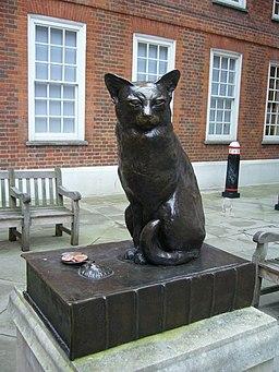 Dr Johnson's pet cat 'Hodge', Gough Square - geograph.org.uk - 1713195