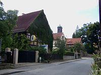 Dresden Altklotzsche mit Dorfkirche.JPG