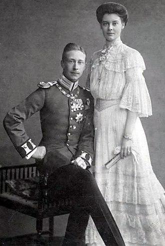 Duchess Cecilie of Mecklenburg-Schwerin - Duchess Cecilie of Mecklenburg-Schwerin and the German Crown Prince. Engagement photograph