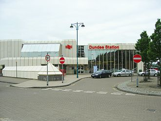 Dundee railway station - External view of Dundee station (this entrance has now been demolished)