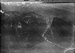 ETH-BIB-Agarn, Leukergrund, Pfynwald, Illgraben, Illhorn, Meretschialp. Val d'Annivier v. O. aus 4000 m-Inlandflüge-LBS MH01-004420.tif