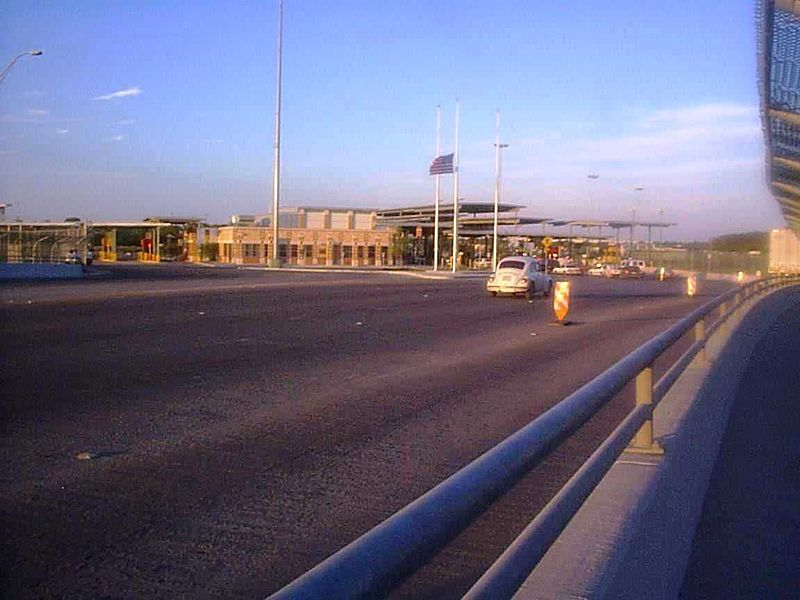 File:Eagle Pass Camino Real Port of Entry.jpg
