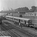 Eerste metro treinstel gearriveerd op Vierhavenstraat, Bestanddeelnr 919-2620.jpg
