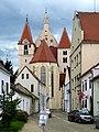 Eggenburg Pfarrkirche - Außen 1.jpg