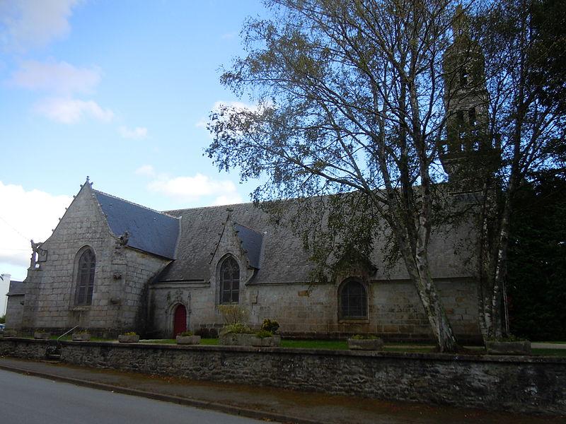 élévation nord de l' église Notre-Dame-de-Lorette de Roudouallec (Morbihan)