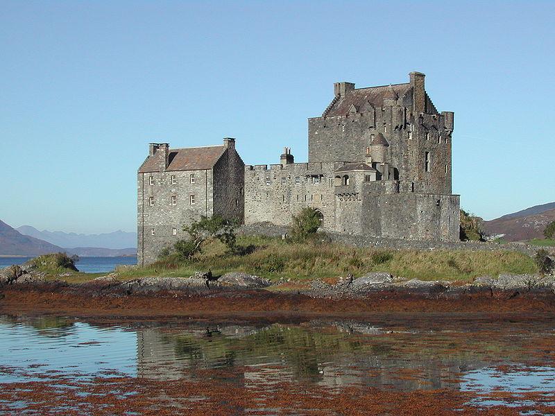 File:Eilean Donan Castle2.jpg