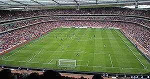 Emirates Stadium, Arsenal vs. Everton 2006-10-28.jpg