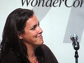 Emma Thomas at WonderCon 2010.JPG