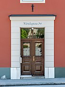 Feldkirchen Kirchgasse 34 Wohnhaus Portal 06062019 7171.jpg